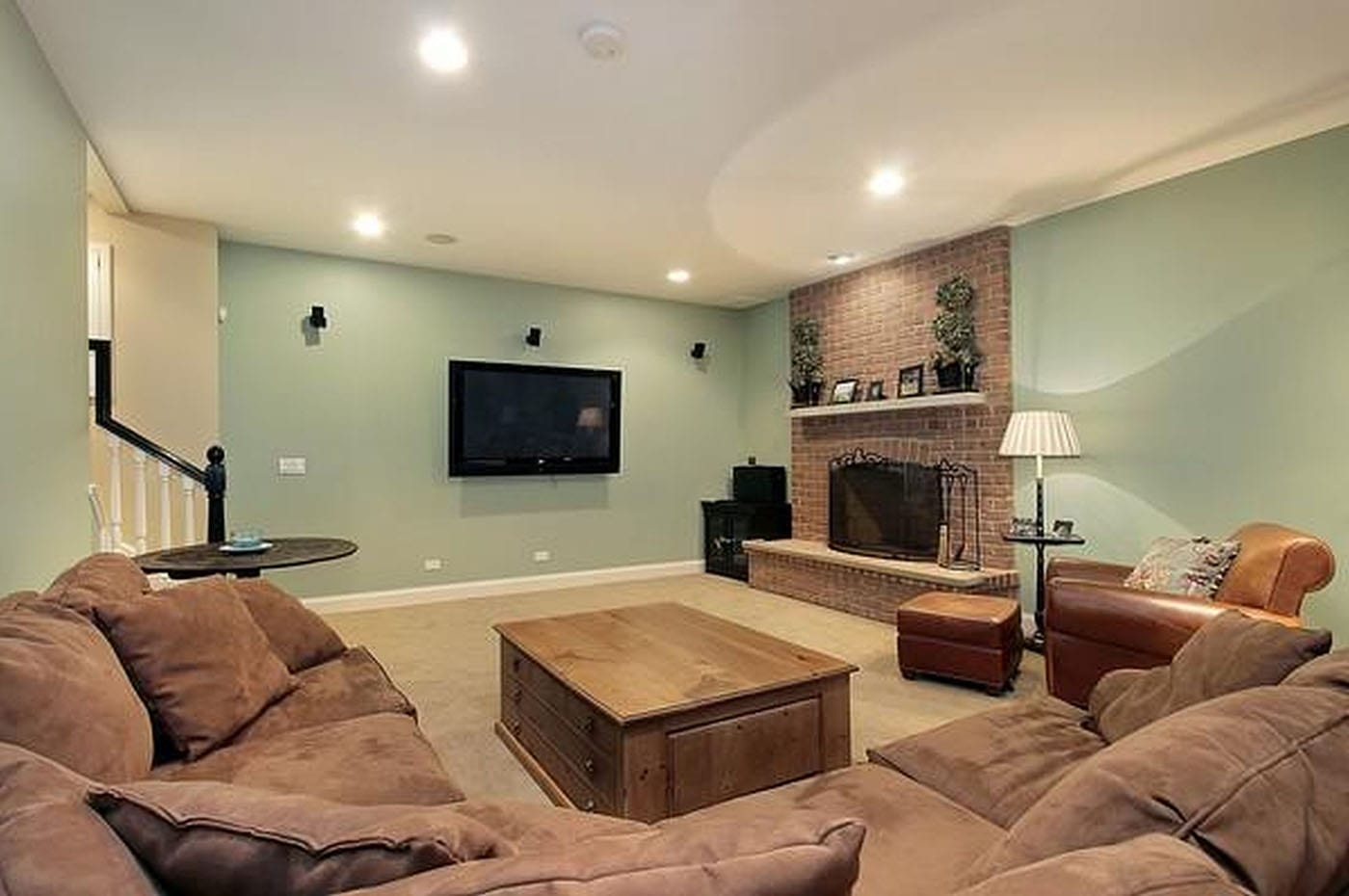 Expand your living space to include a comfortable and private room for watching television, talking with friends, etc.